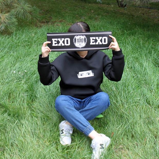 ป้ายเชียร์ EXO สีดำ