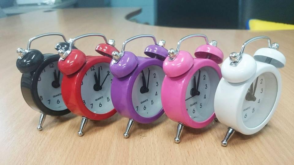 นาฬิกาปลุกขนาดจิ๋ว 7cm มี6สี พร้อมถ่านกระดุม LR44