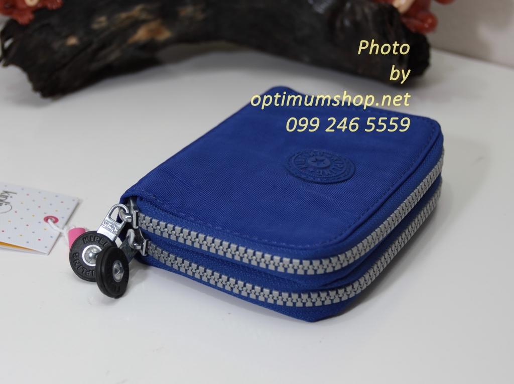 Kipling Abra Ink เป็นกระเป๋าสตางค์รุ่นใหม่ ขนาดกระชับมือแบบซิปรอบ ขนาด 3 W x 9 H x 12.5 D cm Small