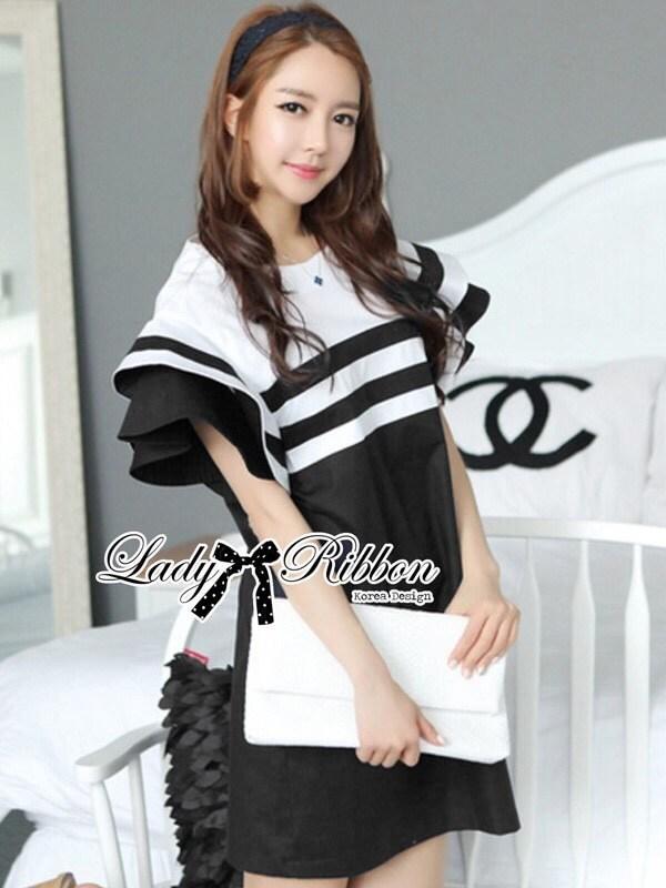 เดรสปกเสื้อสไตล์มารีนดีเทลเลเยอร์ ช่วงบนสีขาวแถบดำ ท่อนล่างสีดำล้วน ฟรีไซส์ by Lady Ribbon
