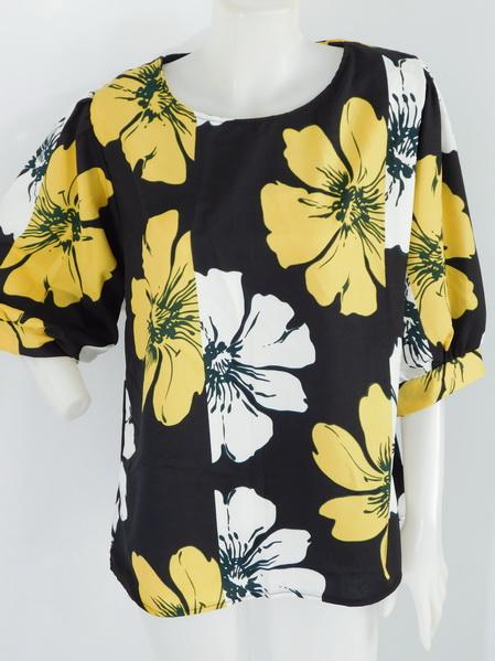 901948 ขายส่งเสื้อผ้าแฟชั่นผ้าเนื้อดี ลายดอก แบบสวยเก๋มากๆ รอบอกฟรีไซส์ รอบอก 32-40 นิ้วใส่ได้ค่ะ ยาว 26 นิ้ว