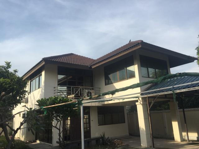 ขายบ้าน บ้านเดี่ยวกลางใจเมือง ซ.เสนานิคม1 ซ26 สภาพสวย พื้นที่ใช้สอยกว้าง ใกล้ถนนเส้นหลัก และห้างสรรพสินค้า ราคาคุ้มมาก