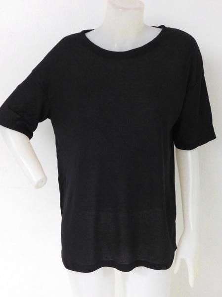 905001 ขายส่งเสื้อเสื้อยืดสีดำ ผ้าเนื้อดี เนื้อนิ่มใส่สบายมากค่ะ รอบอก 36-44 นิ้ว ใส่ได้ค่ะ