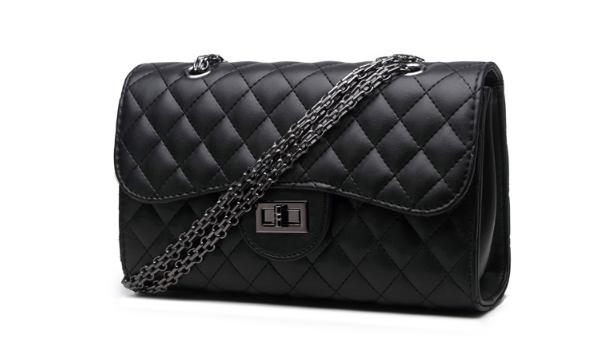กระเป๋าสะพายข้างผู้หญิงทรง CN Boy (Black)