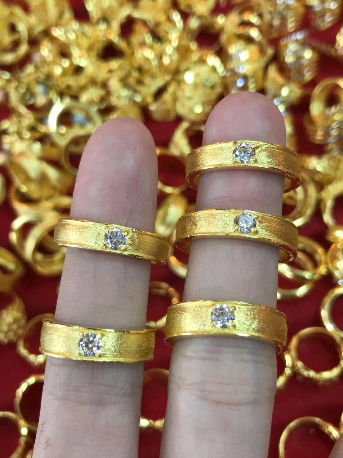 แหวนทองแท้ 96.5% ประดับเพชร หนัก 2 สลึง (7.6 กรัม)
