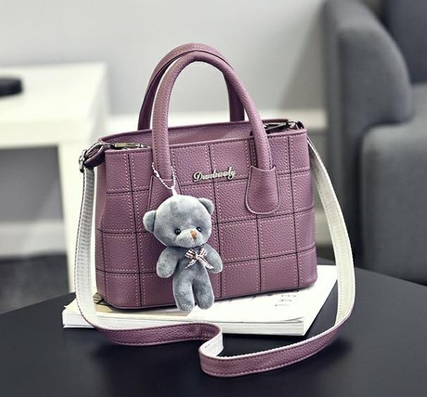 กระเป๋าสะพายข้างผู้หญิง Girl the grid Violet แถมหมี!!