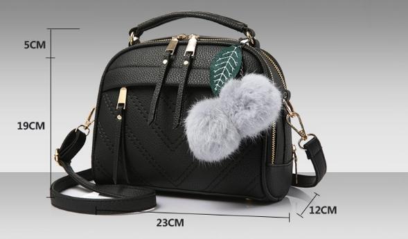 กระเป๋าสะพายข้าง Pretty bag (black)