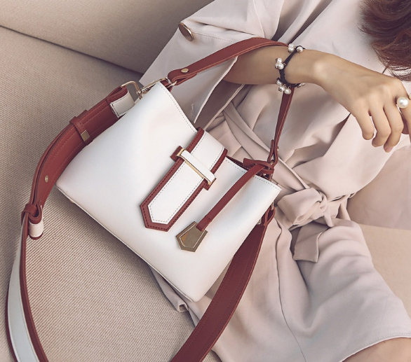 กระเป๋าสะพายข้างผู้หญิง Simple please