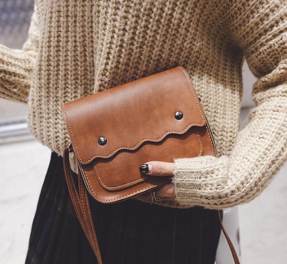 กระเป๋าถือ poppy bag (สี Light Brown)