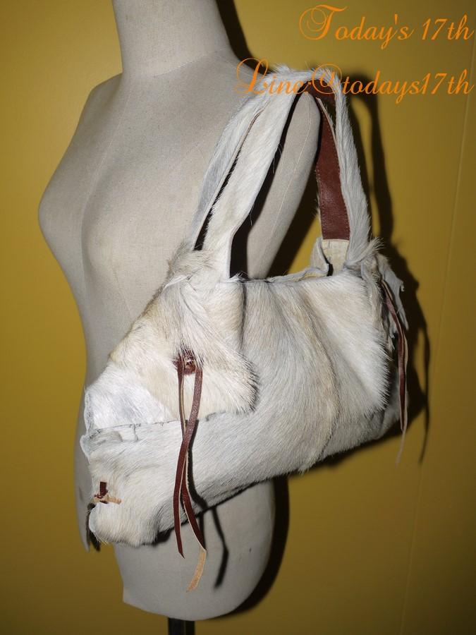 กระเป๋าขนสัตว์แท้สะพายไหล่
