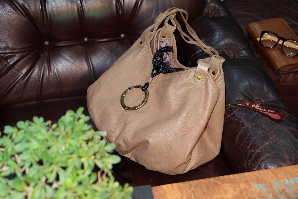 กระเป๋าหนังแท้สะพายไหล่