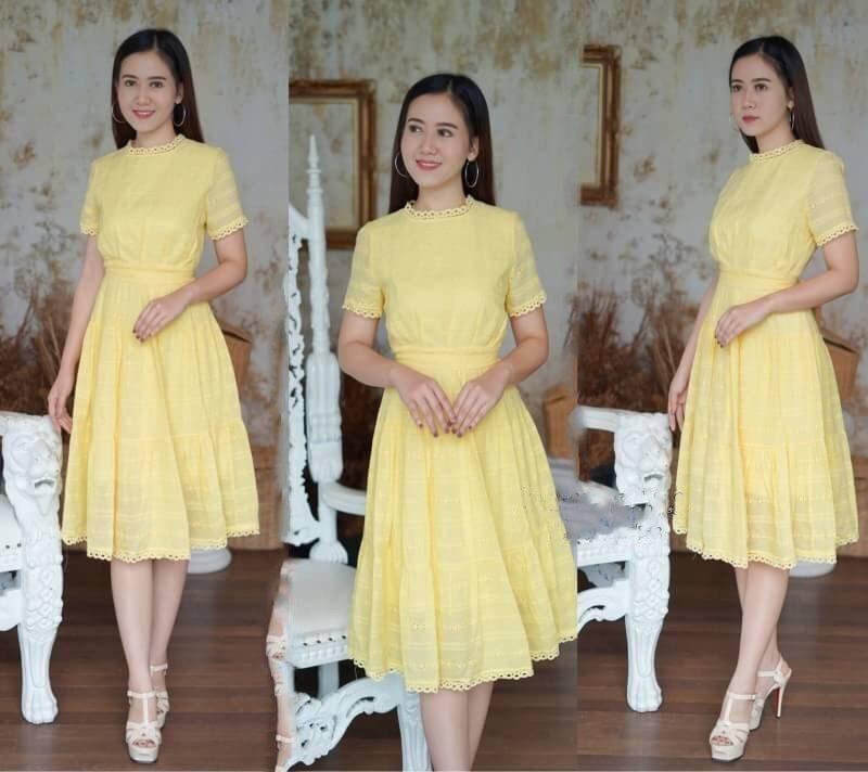 เดรสลายฉลุสีเหลืองสวยหวาน