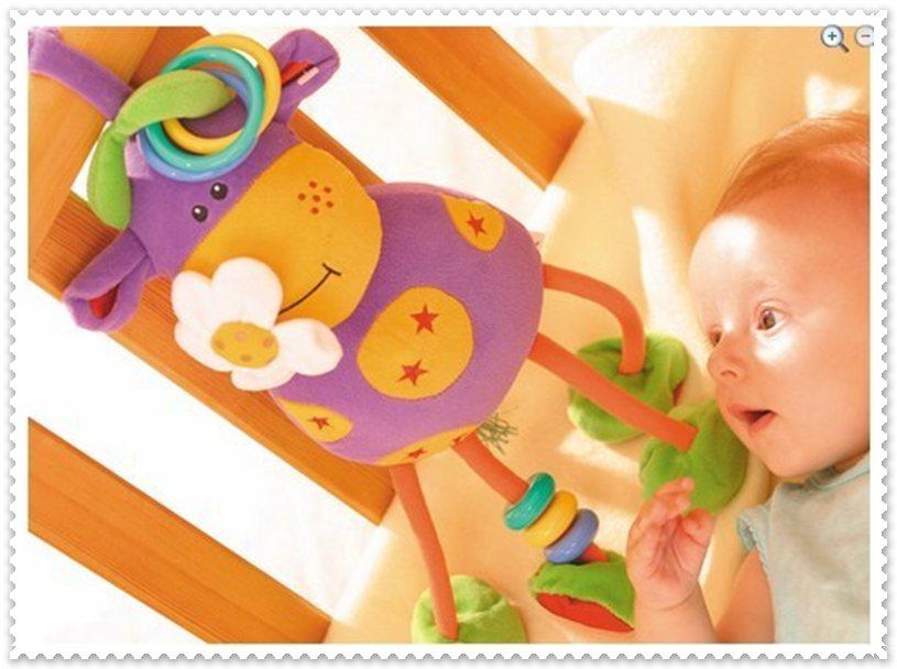 ตุ๊กตาผ้าพี่วัว ผิวสัมผัสแตกต่าง มีเสียงกรุ๊งกริ๋ง ของจริงสีสดกว่าในภาพค่ะ
