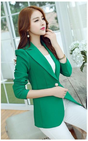 เสื้อคลุมสูทสีเขียว