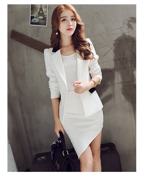 เสื้อคลุมสูทสีขาว