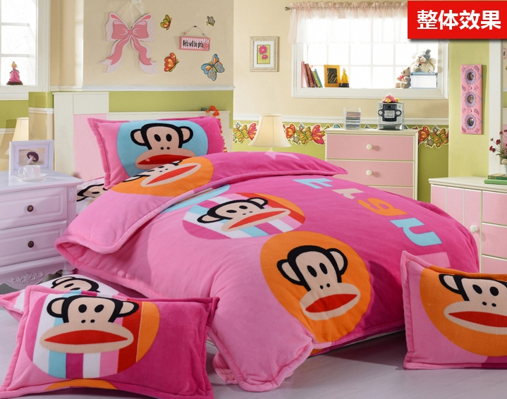 [Preorder] ผ้าปูที่นอนเตียงเดี่ยว (ไซส์ 3.3 ฟุต หรือ 4 ฟุต) ลาย Paul Frank สีชมพู Cartoon coral velvet three product family of four children single bed