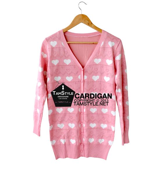 """Coat-075 เสื้อคลุมไหมพรม มีฉลุลาย สีชมพู ลายหัวใจสีขาว อก free ยาว 27 """" (เสื้อคลุมพรมไหมพรมพร้อมส่ง)"""