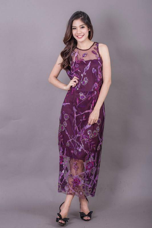 Allure Maxi Lace Dress สีม่วง