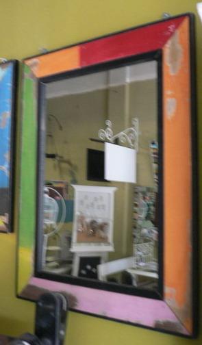 กระจกเงาติดผนัง 3