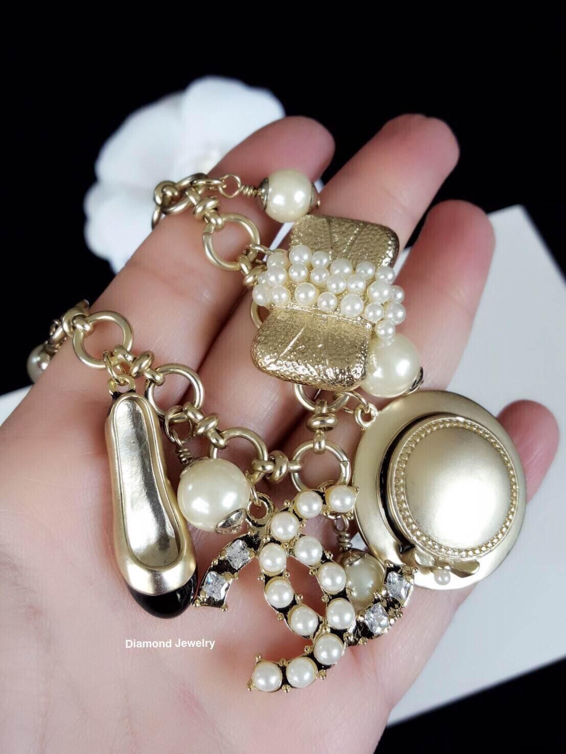 พร้อมส่ง Chanel Pearl Bracelet สร้อยข้อมือมุกชาแนล