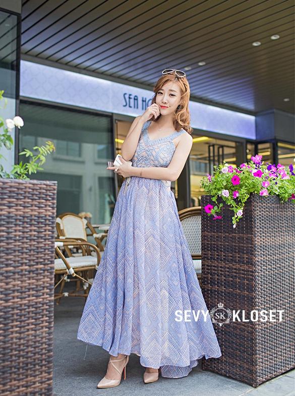 ชุดเดรสเกาหลี พร้อมส่ง Maxi dress ยาวปักลาย