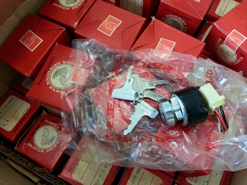 สวิทช์กุญแจ CB125 K1-K6 // CB175เครื่องเอียง ดอกกุญแจ4ดอก แท้ใหม่ 2500บาท