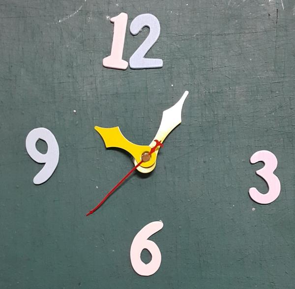 ชุดตัวเครื่องนาฬิกาญื่ปุนเดินเรียบ เข็มลายโมเดิน ขนาดเล็ก เข็มสั้น-เข็มยาวสีเหลือง เข็มวินาทีสีแดง อุปกรณ์ DIY