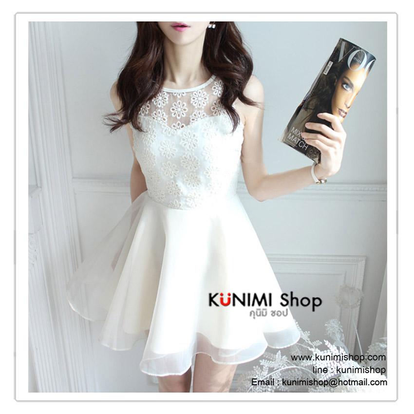 VS011 ชุดเดรสสั้น สีขาว ช่วงตัวเสื้อ ตัดแต่งด้วยผ้าลูกไม้ มีซับใน กระโปรงใช้ผ้าแก้ว มีซับในอย่างดีคะ ซิบซ่อนด้านหลัง งานสวย คุณภาพ เหมือนแบบ 100%