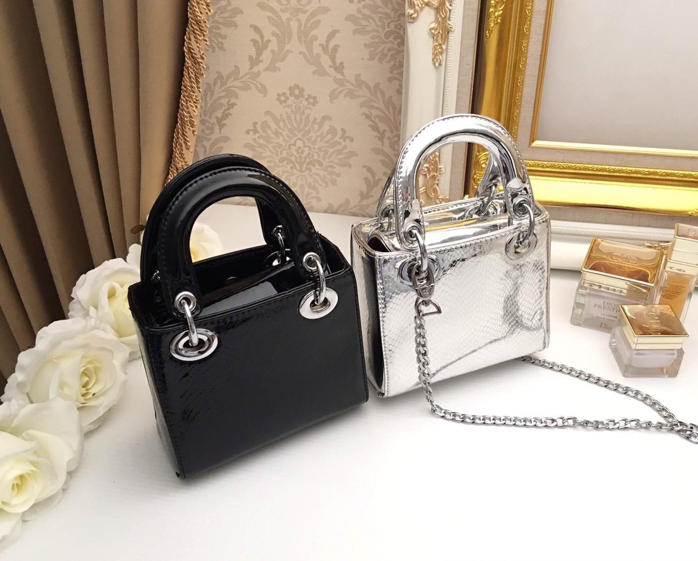 กระเป๋างานแฟชั่นเกาหลี สวยหรูกว่าที่คิดในราคาเบาๆ เป็นกระเป็น ทรง คลาสสิค