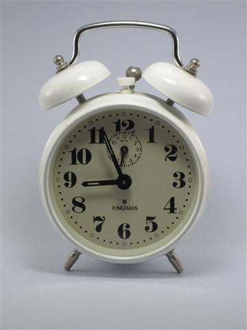 U741 นาฬิกาปลูก Junghans เดินดีปลุกดี ส่ง EMS ฟรี