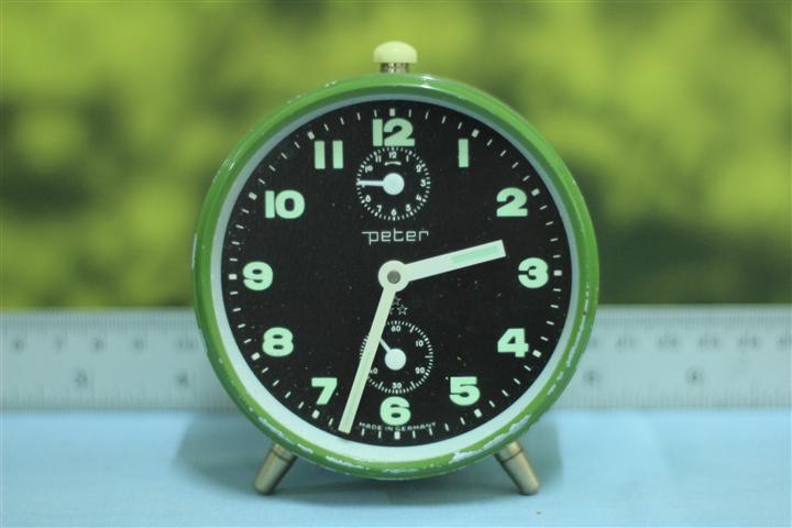 T0616 นาฬิกาปลุกเยอรมันโบราณ Peter ส่ง EMS ฟรี