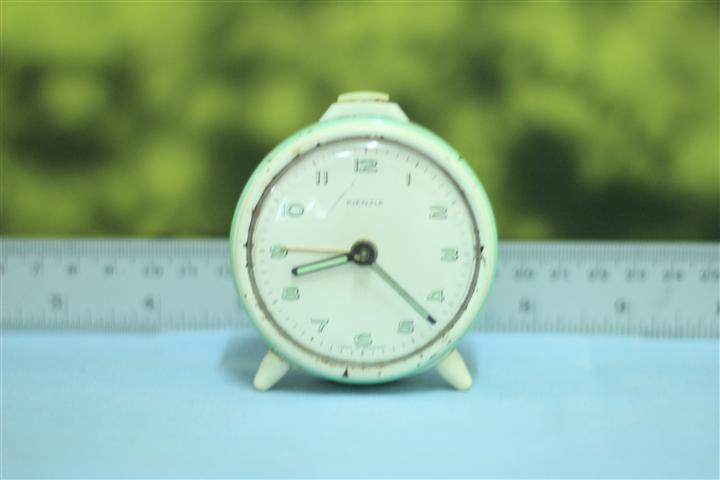 T0602 นาฬิกาปลุกเยอรมันโบราณ ส่ง kienzle ส่ง EMS ฟรี