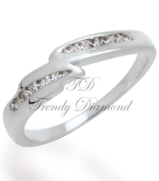 แหวนเพชรเวฟแบนด์ สีทองคำขาว