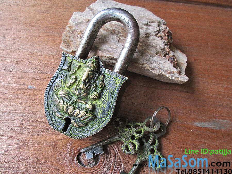 กุญแจเทพทองเหลืองโบราณ