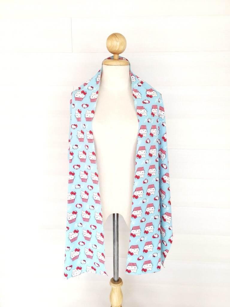 ผ้าพันคอ/ผ้าคลุมไหล่/ผ้าคลุมให้นม รุ่น Mini-Kitty Cupcake in Light blue (Size S) ผ้าพันคอ พร้อมกล่อง/ซองแพคเกจอย่างดี ของขวัญ/ของฝาก