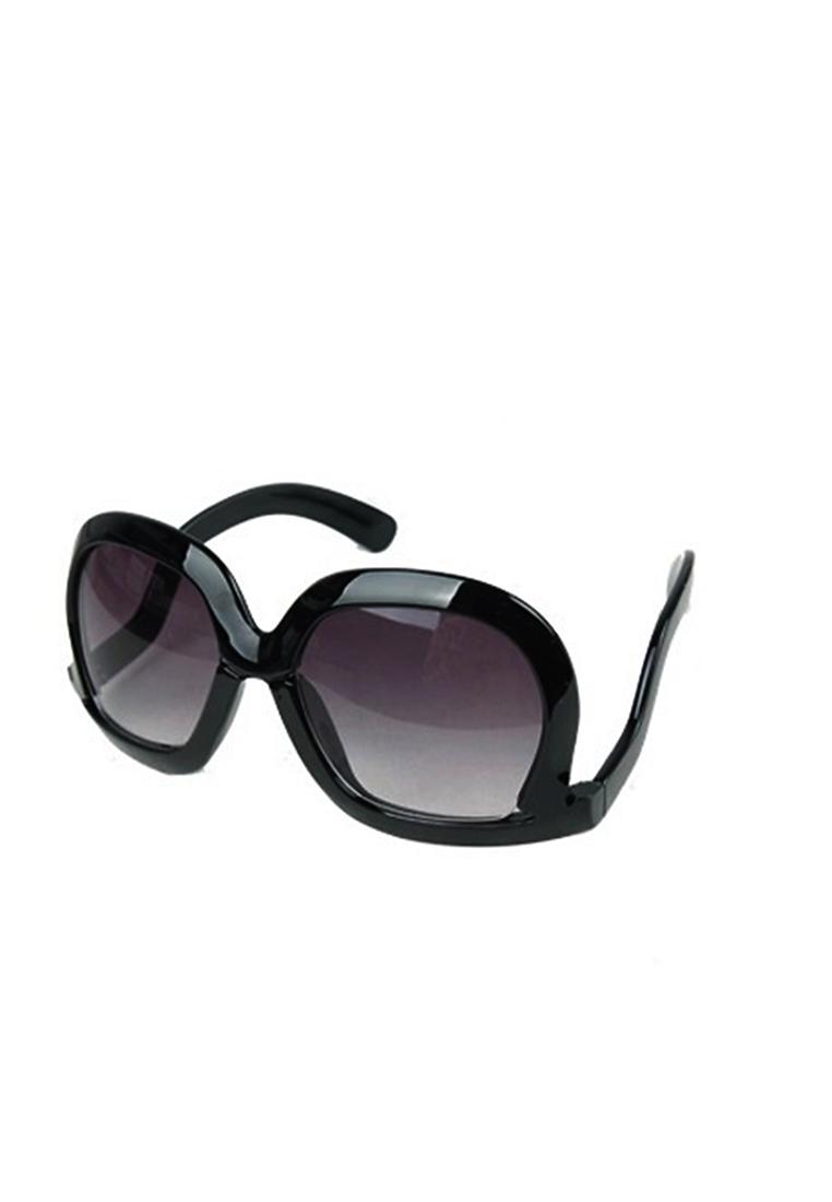 แว่นตากันแดด Upside Down (Black)